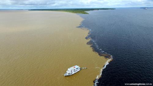 Encontro das águas - Manaus, Amazonas.
